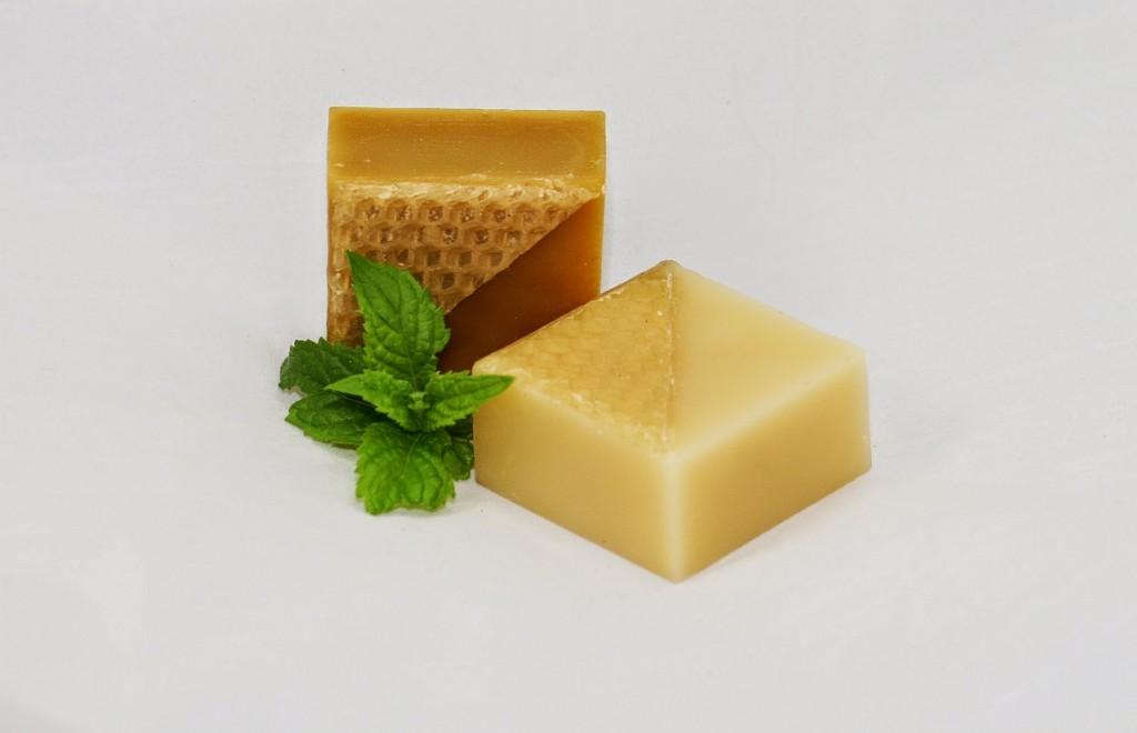 2x 50 gram PURE beeswax blocks